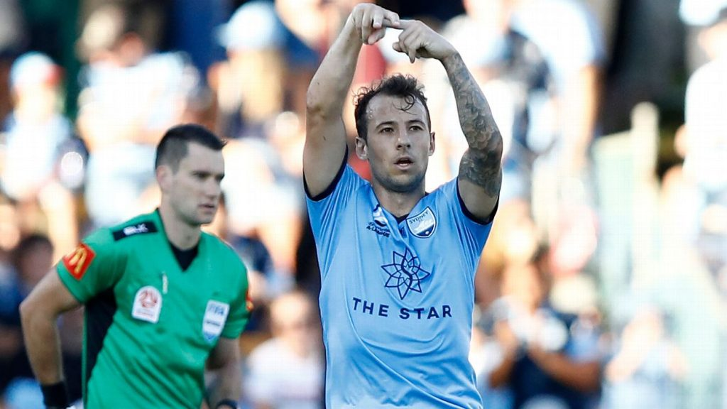 7c73022b8b1 Le Fondre rescues point for faltering Sydney against Central Coast Mariners