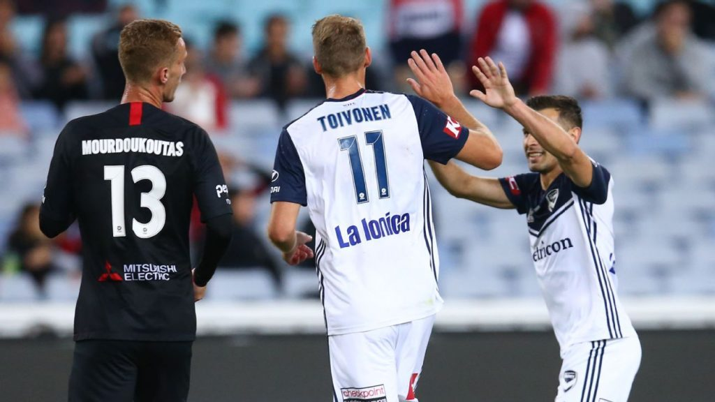 a92f0a011 Ola Toivonen goal sees Melbourne Victory beat Western Sydney Wanderers