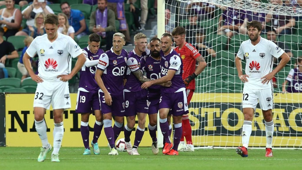 bfdecd5d214d Diego Castro stars as Perth Glory put five past Wellington Phoenix. Perth  Glory Wellington Phoenix FC ...